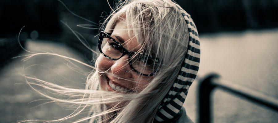 proste oprawki okularów